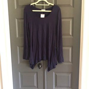 Long sleeve tunic top with asymmetrical hem